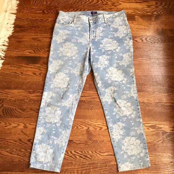NYDJ Denim - NYDJ light wash floral print ankle jean